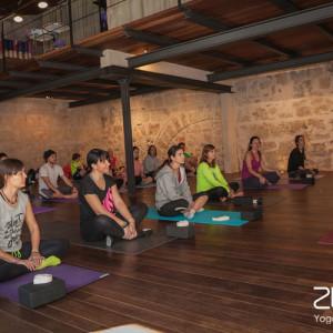 261-2015-zunray-yogaclass3